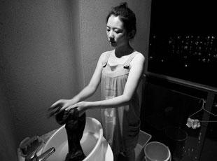 图片故事:大学生寝室夜生活