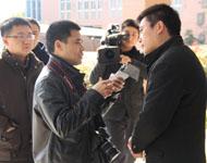 采访如皋市外国语学校初中部校长裴友军