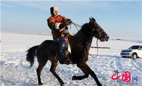 2014中国冰雪那达慕:赛马