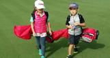 刘涛一双儿女打高尔夫