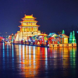 """北京""""清明上河图""""实景彩灯仿若穿越时空[组图]"""