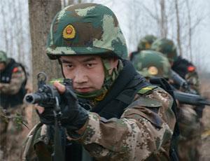 武警某部配一水兒03式步槍訓練相當帥氣