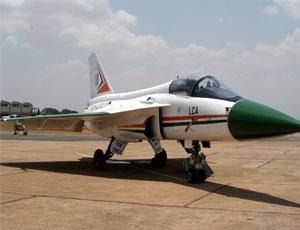 印度LCA戰機研製30年終於交付
