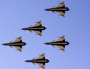 八一表演隊新年首飛六機編隊