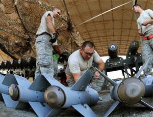 美軍駐中東部隊緊急裝炸彈為打擊IS做準備