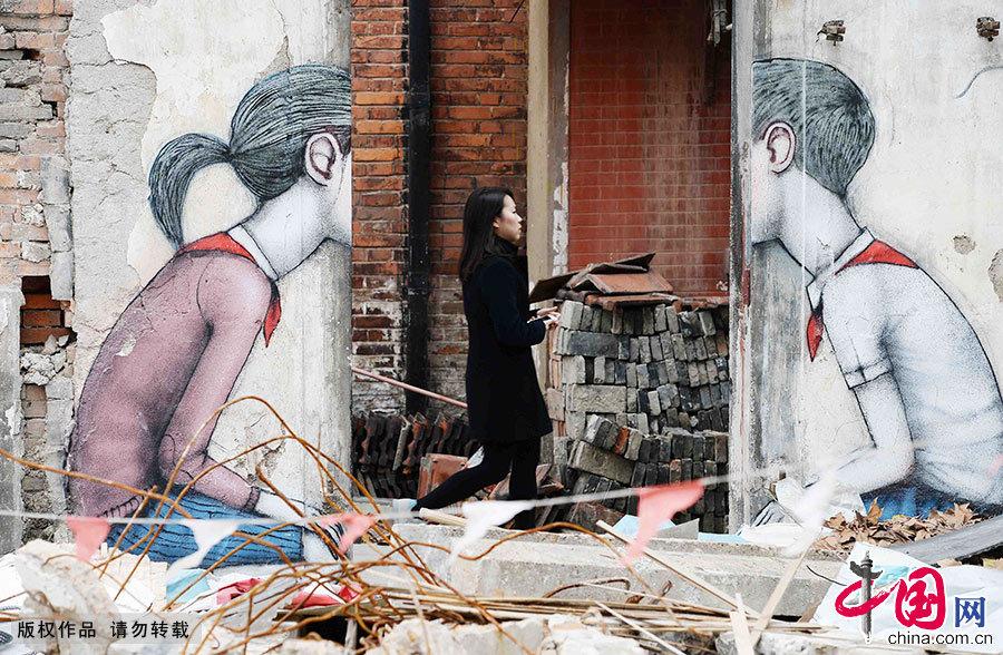 位于上海康定路600弄拆迁区的涂鸦作品。中国网图片库 赖鑫琳/摄