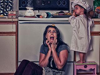 女的逼_女摄影师记录被孩子\