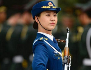 三軍儀仗隊女兵分隊隊長:因身高遺憾錯過閱兵
