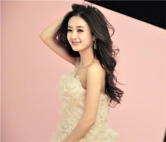 赵丽颖最新杂志封面写真 梦幻粉嫩散发公主气息图片