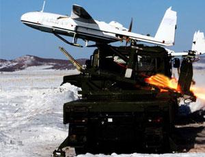 解放軍動用無人機指引炮兵轟擊