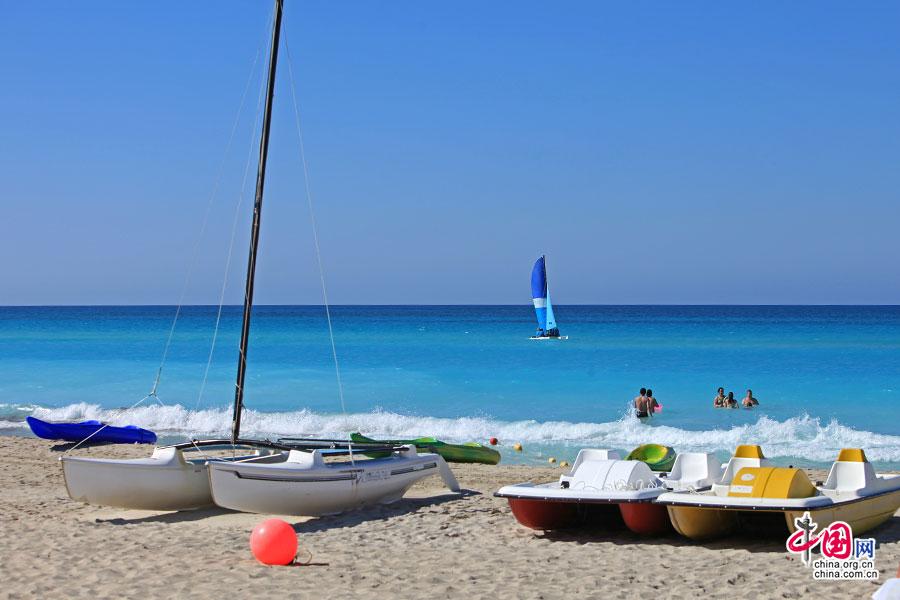 浓情古巴(二十一)象牙粉海滩,繁华散尽的遗世之美