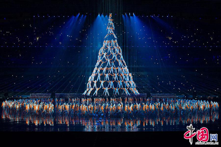 南京青奥会筑梦_2014年8月16日,南京青奥会开幕式,《筑梦之塔》的表演美轮美奂.