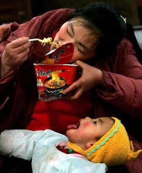 回家过年:图说这些年的中国春运