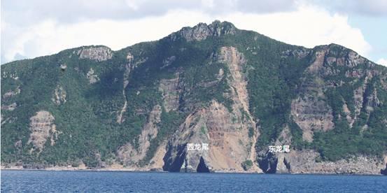 釣魚島の西龍尾と東龍尾