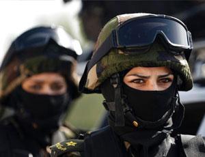 探秘巴勒斯坦總統衛隊訓練 女兵蒙面亮相