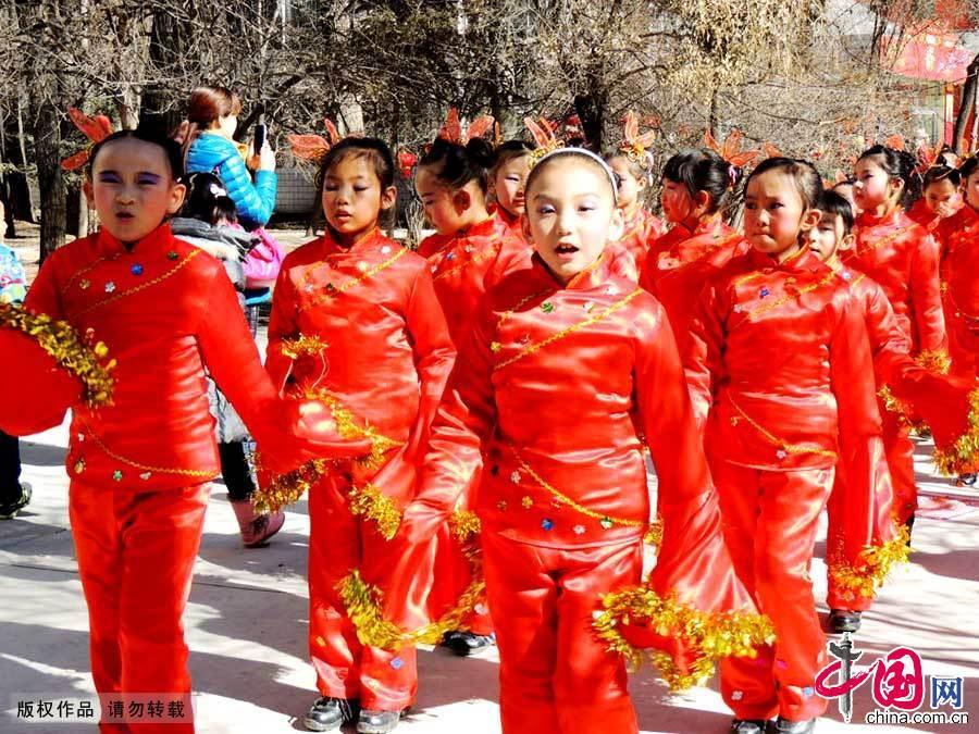 青海首屆娃娃廟會 傳承中華文化年味濃濃【組圖】