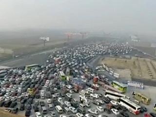 返程客流高峰 京港澳高速堵车十公里