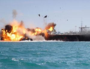 伊朗革命衛隊在霍爾木茲海峽舉行震撼軍演