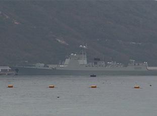 兩艘052D神盾艦現身南海軍港