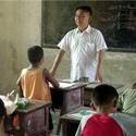 民盟2015年两会提案:稳定农村中小学教师队伍