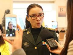 陈思思委员:建议适当延长义务兵期[组图]
