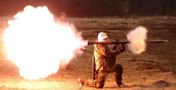 乌克兰民间武装射击训练 AK步枪火箭炮悉数上阵