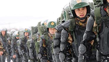 軍情24小時:800名武警在高原全副武裝拉練