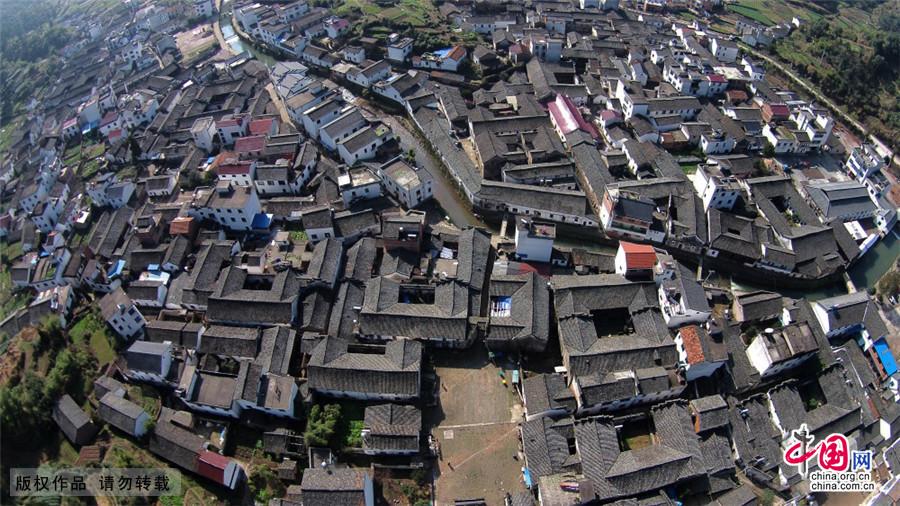 2015年3月2日航拍的浙江武义俞源太极星象村古民居群。中国网图片库 张建成/摄