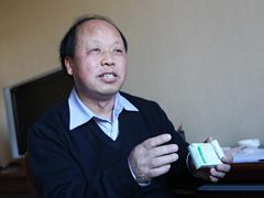 农民工代表巨晓林:要宣传节约反对浪费[图]