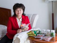杨莉代表关注食品安全 建议建立天然色素植物原料基地[组图]