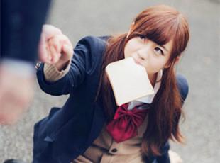 日本19岁嫩模被指撞脸邓超