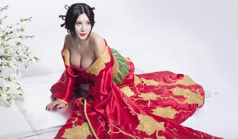 中国乳神分享火辣健身照 堪比韩国美教练