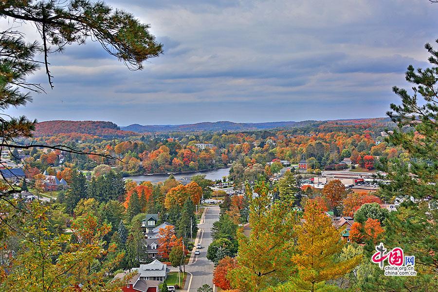 秋色加浓(十)亨茨维尔的恬静秋景