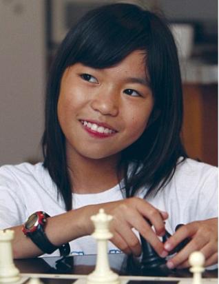 幼女扩肛视频_11岁华裔女童成美国最年幼女西洋棋大师_ 视频中国