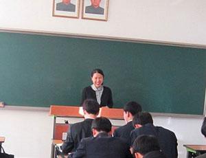 美国女子在朝鲜大学当教师