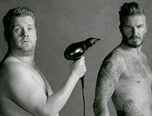 贝克汉姆和好友上演搞怪黑白内衣秀