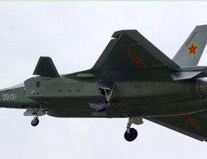 2015號殲20迎著春風升空試飛