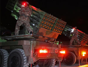 西藏駐軍裝備新式模組化火箭炮