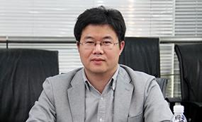 现代教育报总编助理:罗德宏