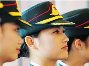 官方公布女仪仗兵新装写真