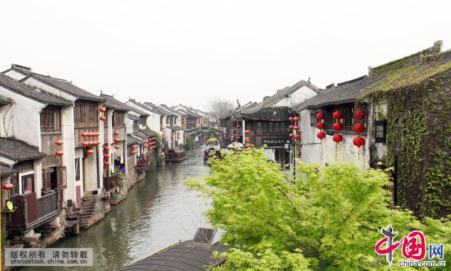 在苏州众多的街巷之中,名胜山塘街,被称誉为姑苏第一名街。中国网 吴爱凤摄影