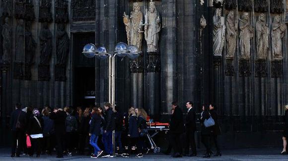 科隆大教堂举行德翼坠机事件遇难者追悼会