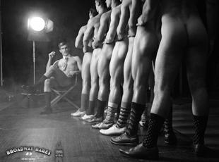 百老汇为抗艾募捐将首度上演俊男美女全裸秀