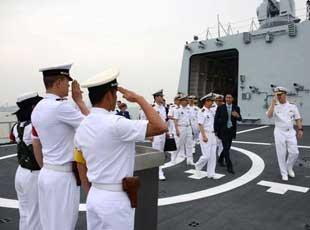 解放軍邀請美軍參觀052C神盾艦