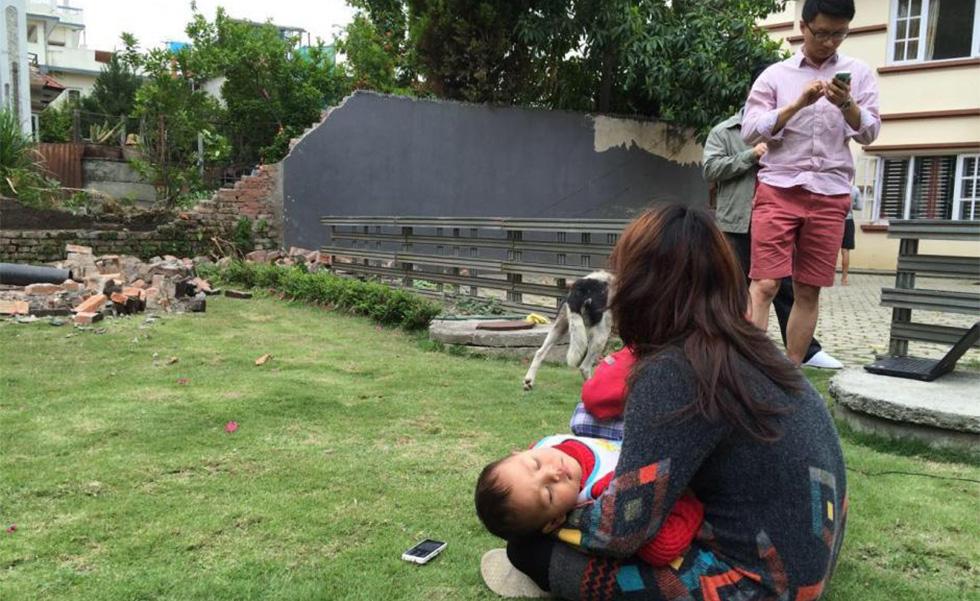尼泊尔首都感受到强烈地震 手机信号中断
