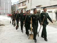 西藏震感明顯 救援破雪前行[組圖]