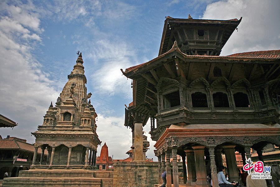 那时,不仅是尼泊尔将大白塔传到了中国,更将中国皇宫元素图片