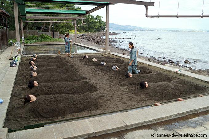 日本兴起沙疗 体验者享用后称惬意无比