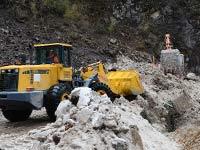 西藏抗震救災:全力搶通樟木生命通道