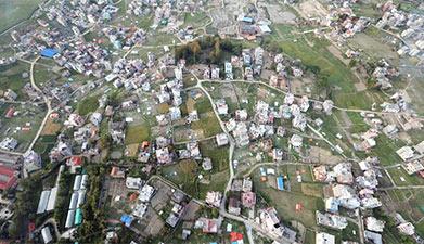俯瞰震后尼泊尔加德满都